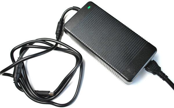 Alienware Şarj Cihazı